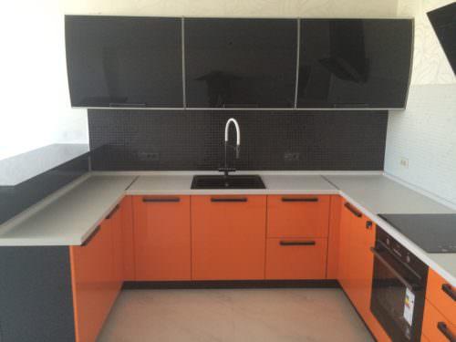«Камилла» (13) модерн, п-образная, оранжевый и черный