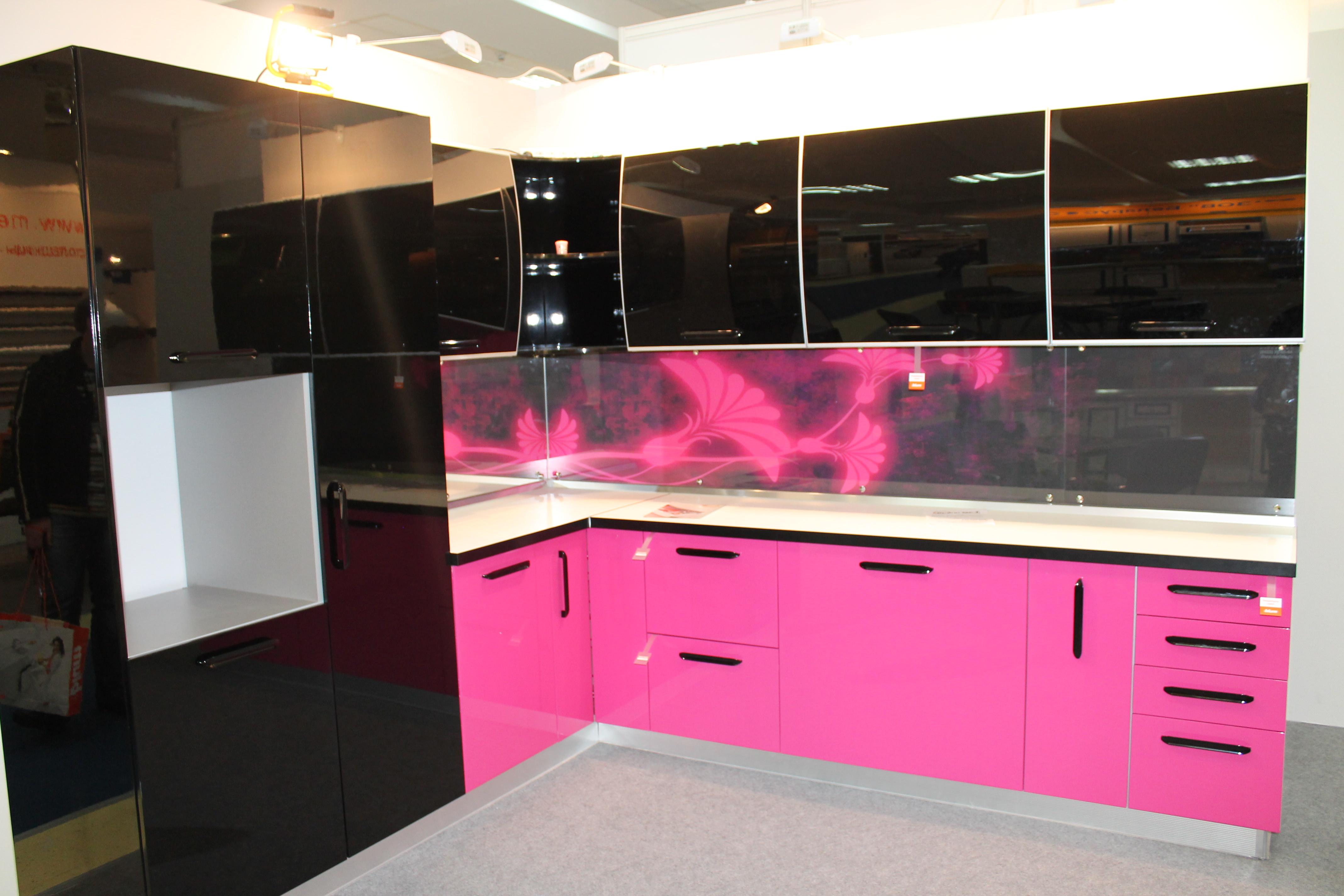 «Камилла» (5) модерн, угловая, розовый и черный