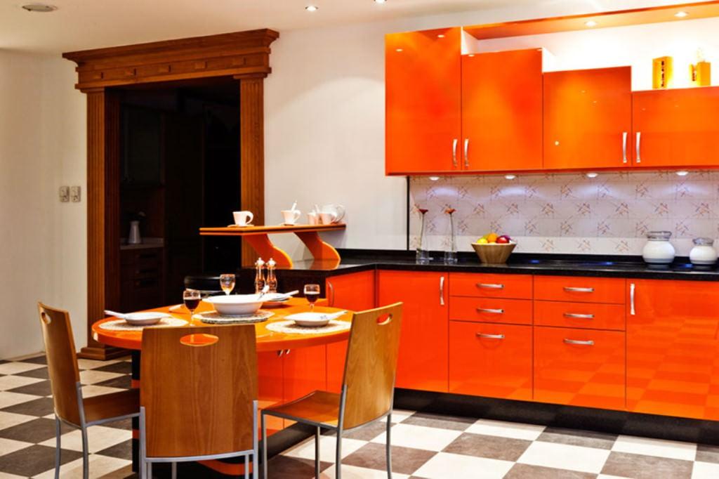 «Руфина» (25) модерн, угловая, с барной стойкой, студия, оранжевый