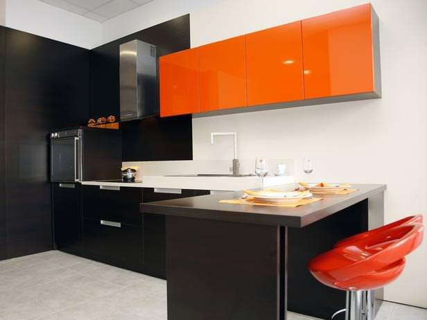 «Милана» (3) хай-тек, угловая, с барной стойкой, коричневый, оранжевый