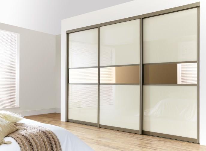 Шкаф-купе 3 двери (7) стекло Oracal, зеркало бронза