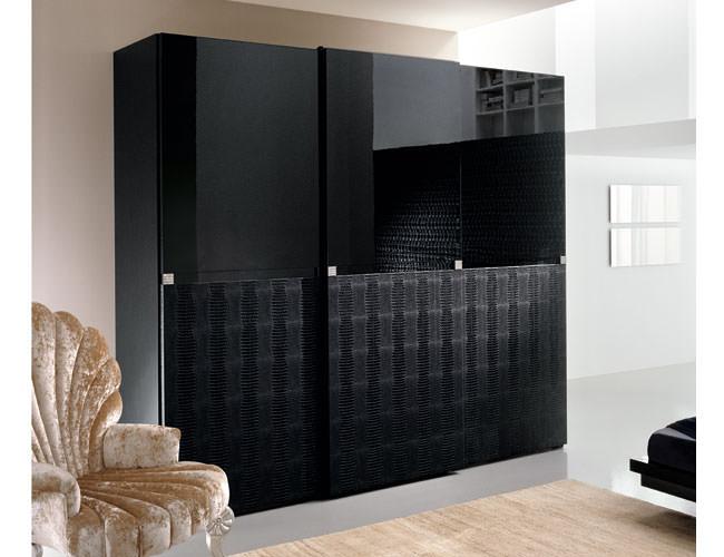 Шкаф-купе 3 двери (9) стекло Oracal черное
