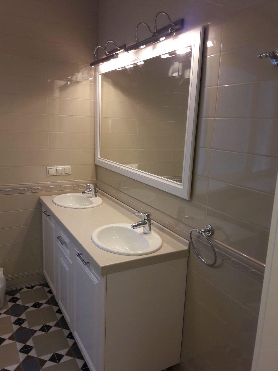Тумба в ванную из МДФ RAL9003, рамка для зеркала